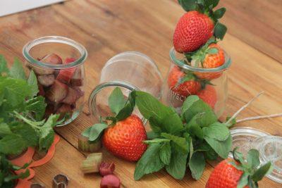 Erdbeer und Rharbarber